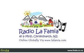 Radio La Famia